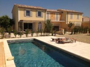 vakantiehuis huren in het hartje van het wijndorp Rasteau in de Provence