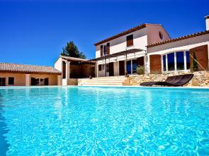 luxe vakantiewoning te huur in het hart van de Provence met privé zwembad