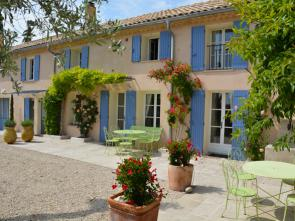 vakantiewoning te huur in de Provence, Zuid-Frankrijk, met panoramisch uitzicht, privé zwembad en buitenkeuken