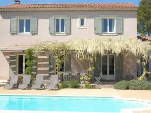 vakantiehuis luxe villa huren in de Provence met privé zwembad aan de Ventoux en de Dentelles de Montmirail