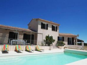 vakantiewoning te huur in de Provence, Zuid-Frankrijk, met panoramisch uitzicht, verwarmd privé zwembad en buitenkeuken