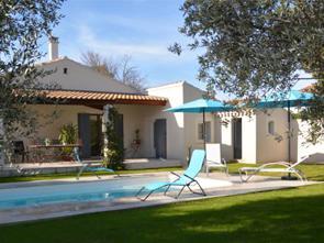 vakantiehuis met zwembad huren in de Provence aan de voet van de Mont Ventoux