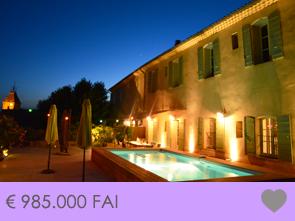 luxe villa kopen in Zuid-Frankrijk met zwembad, prachtig gerenoveerd oud herenhuis in Beaumes de Venise