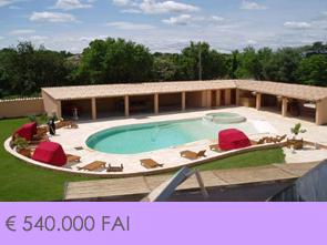 grote villa met zwembad en poolhouse kopen in het hart van de Provence, Zuid-Frankrijk