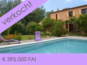 huis kopen in de Luberon met 5 slaapkamers, 2 badkamers en ene zwembad