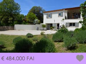 hedendaagse villa met een mooie zuidgerichte tuin te koop in de regio Bédoin Mont Ventoux