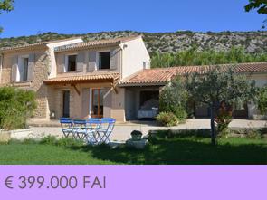 villa met verwarmd zwembad kopen op wandelafstand van het dorp in de Provence, Zuid-Frankrijk